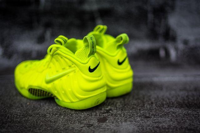 Nike Foamposite Pro Volt 4