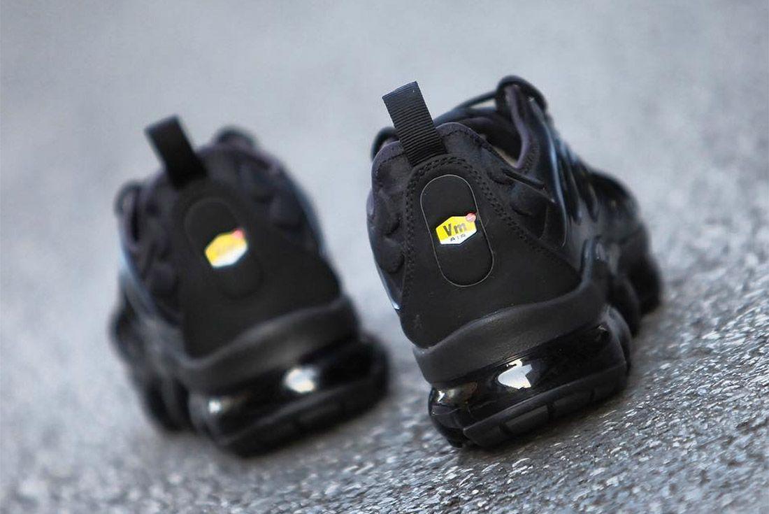 Nike Air Vapormax Max Plus Triple Black 7