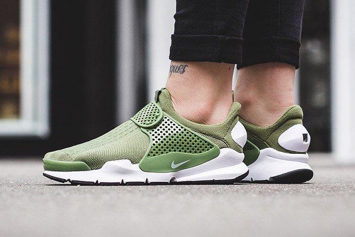 Nike Sock Dart Wmns Palm Green 3