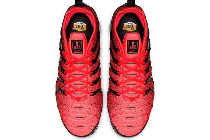 Nike Air Vapor Max Plus Black Flash Crimson Top