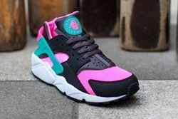 Nike Air Huarache Hyper Pink Thumb1