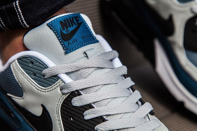Nike Am90 Blue Grey Mist Bumper 1