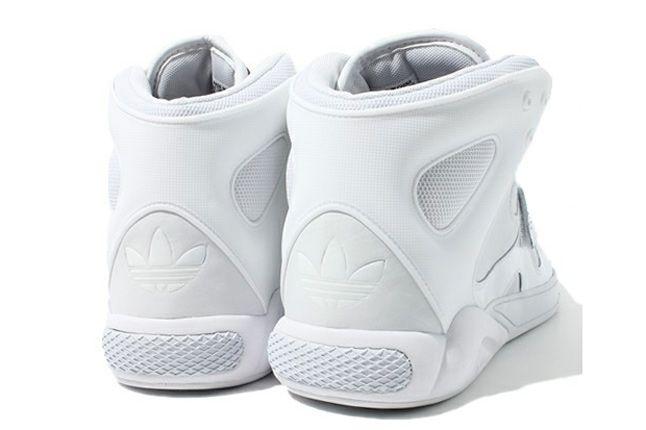Adidas Roundhouse Mid 10 1