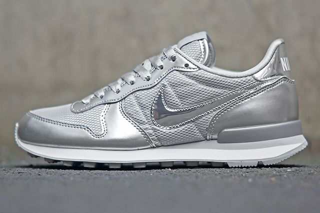 Nike Wmns Silver Pack 2