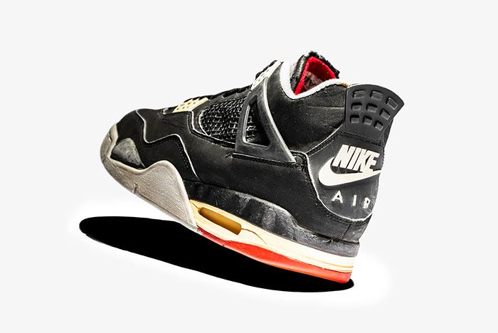 Air Jordan 4 Bred Side Old