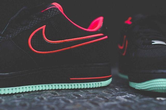 Nike Air Force 1 Low Laser Crimson Arctic Green 2