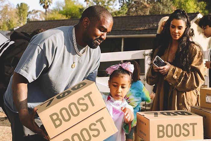Kanye West Kim Kardashian North West Yeezy Lemonade Stand