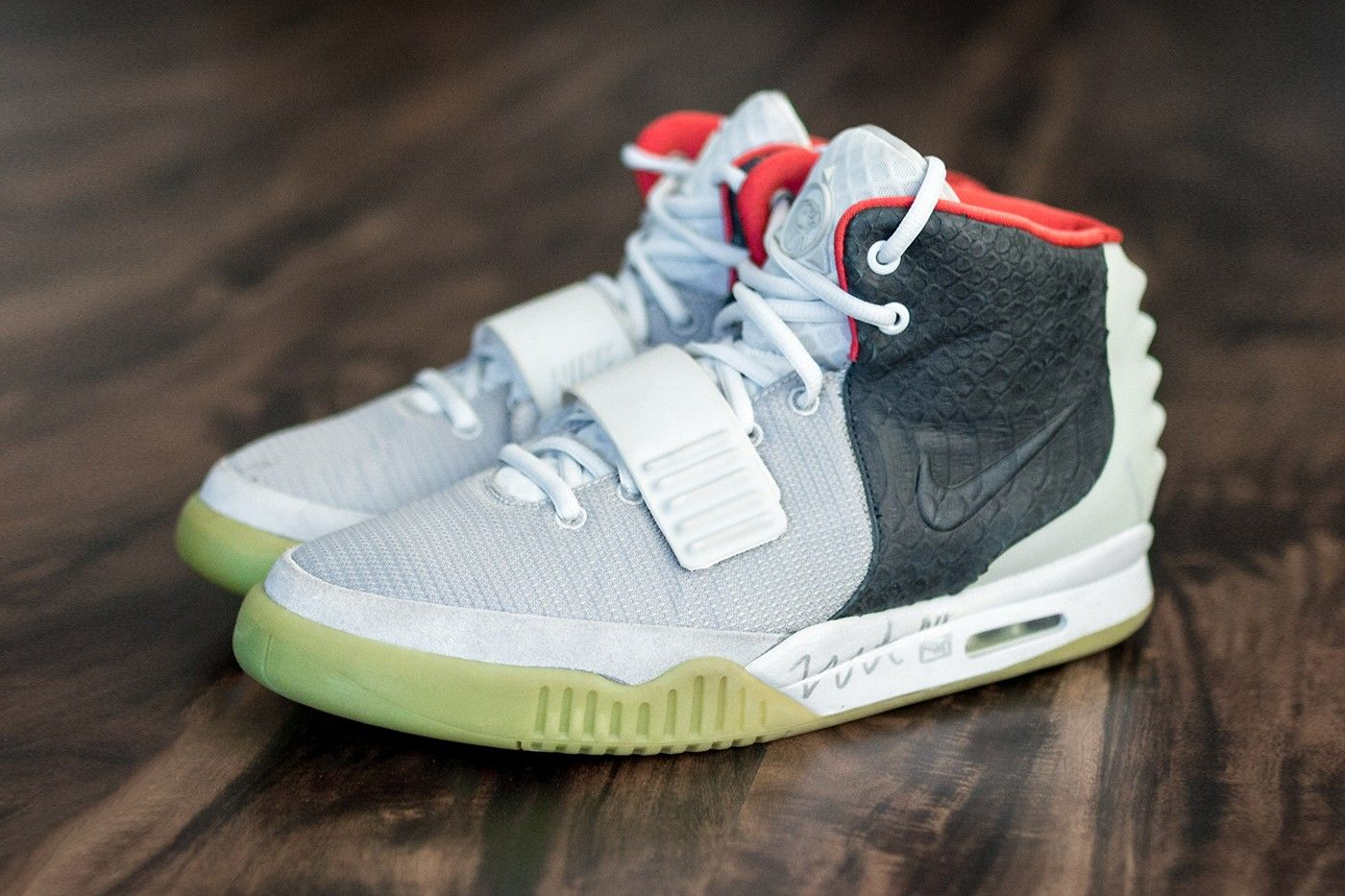 Closer Look: Nike Air Yeezy 2 'Mismatch' Sample