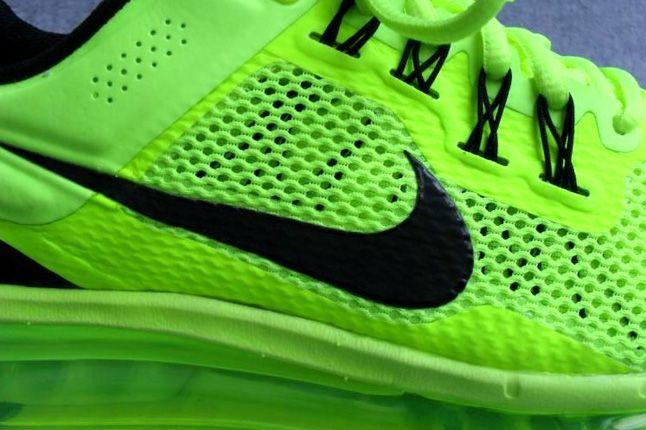 Nike Air Max 2013 Volt Side Detail 1