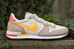 Nike Wmns Internationalist Dp