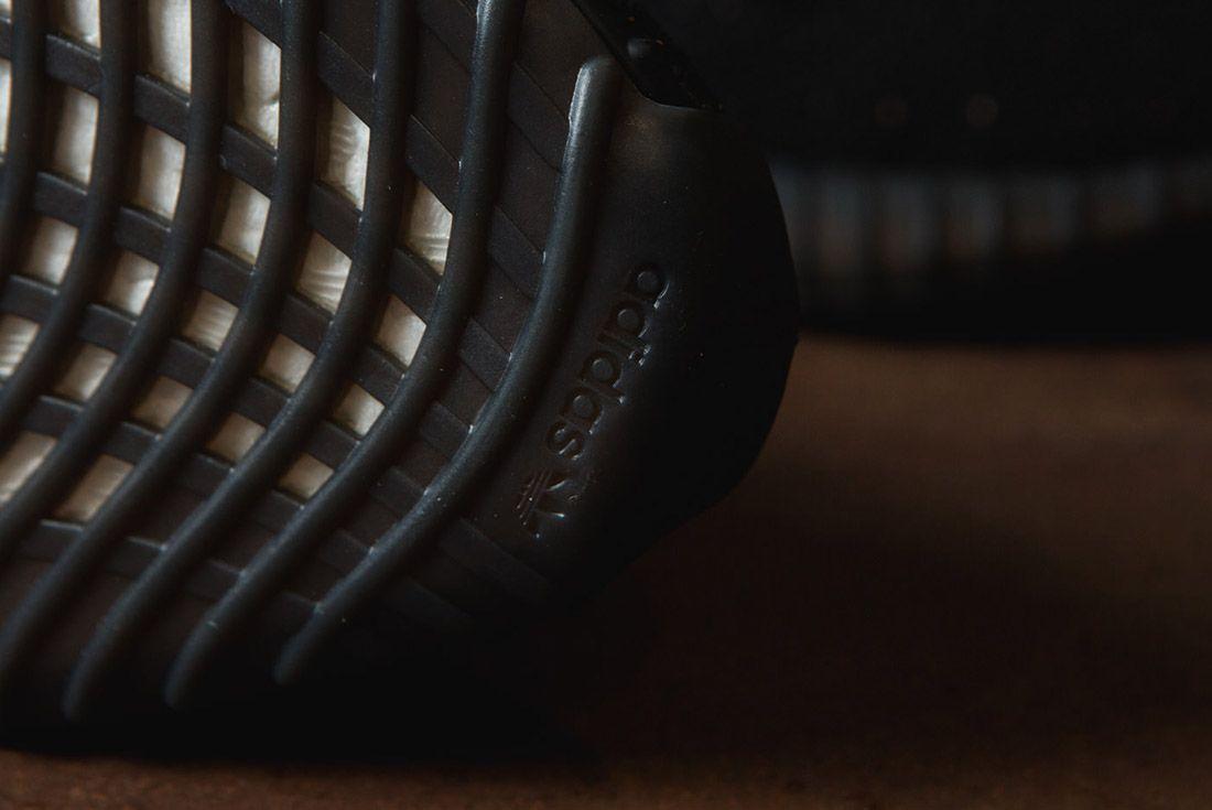 Adidas Originals Yeezy Boost 350 V2 Black Copper Solar Red Green 27