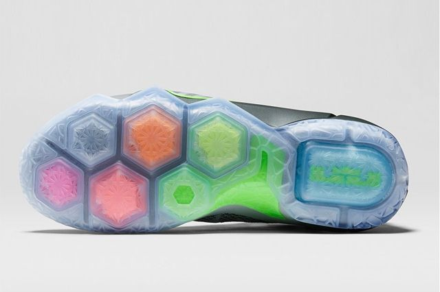 Nike Lebron 12 Dunk Force 1