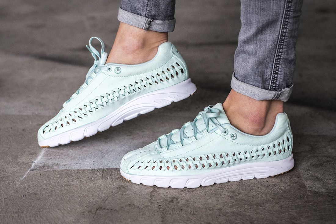 Nike Mayfly Woven Womens Pastel Pack 4