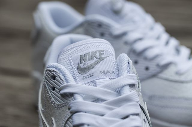 Nike Wmns White Ice Pack 2