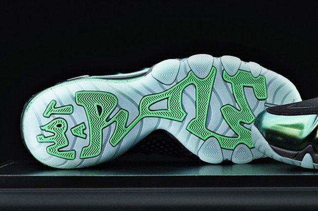 Nike Barkley Posite Max Metallic Green Sole 1 640X426