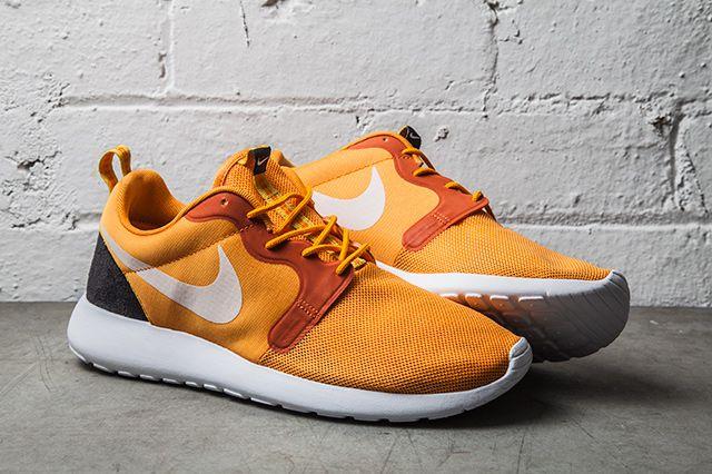 Nike Roshe Run Hyperfuse Kumquat 1