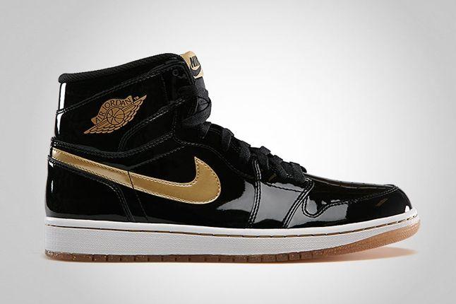 Air Jordan 1 Hi Og Black Gold Profile 1