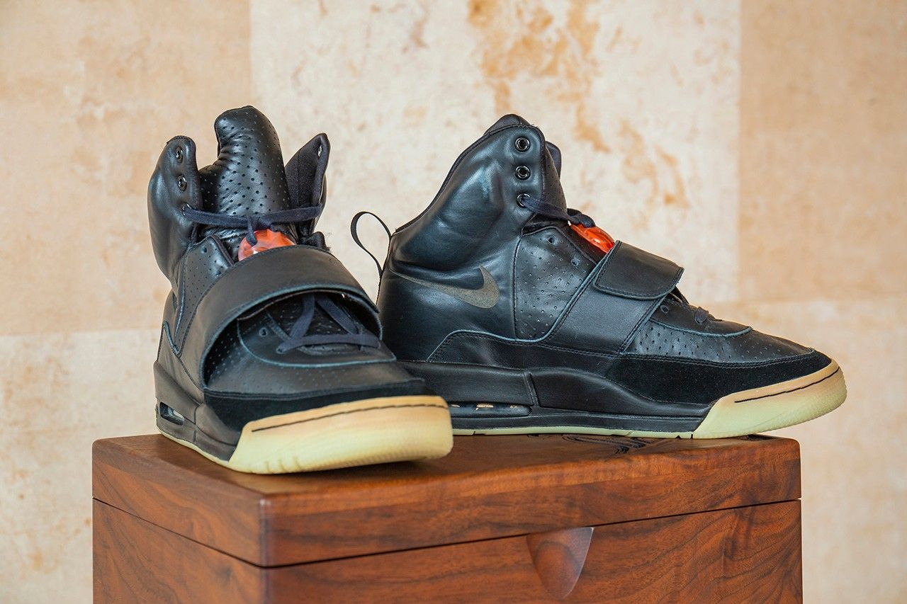 Kanye West 2008 Grammy-Worn Nike Air Yeezy Sample sothebys