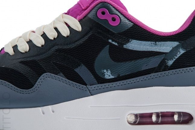Nike Am1 Cmft Tape Clgrey Clubpink Midfoot Detail 1