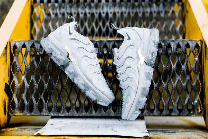 Nike Air Vapor Max Plus Wolf Grey Dark Grey Sneaker Freaker 3