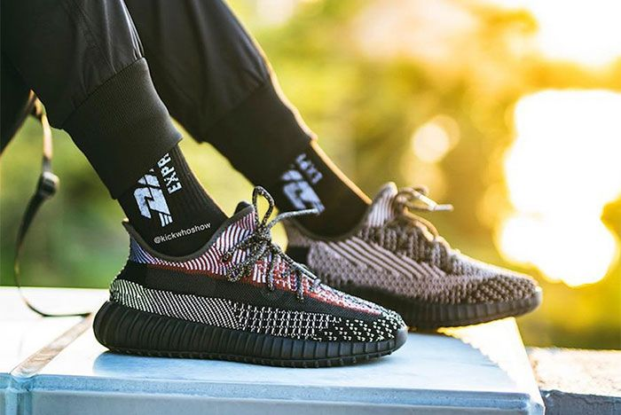 Adidas Yeezy Boost 350 V2 Yecheil Right 3