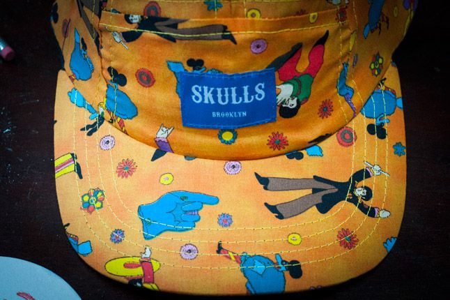 Skulls Yellow Submarine 5 Panel Detail Label 1
