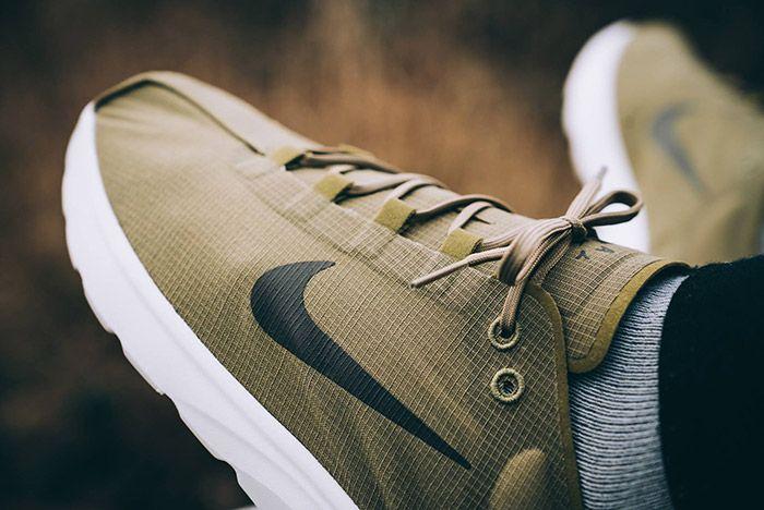 Nike Mayfly Lite Camper Green 4