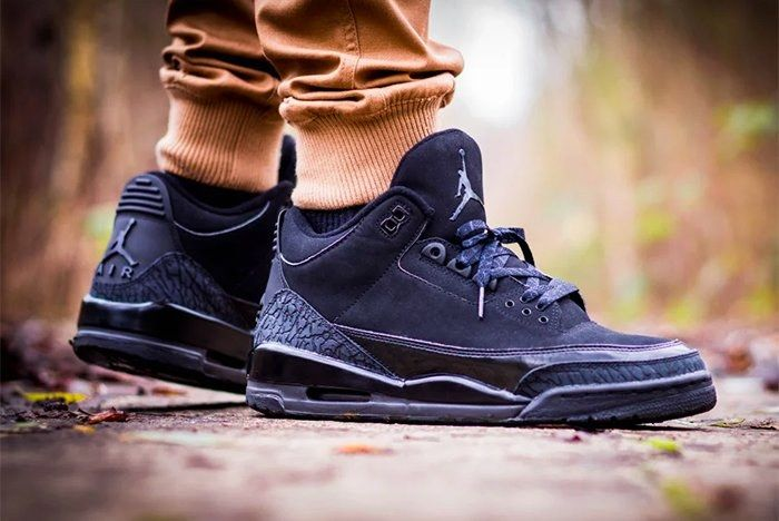 Air Jordan 3 Black Cat4
