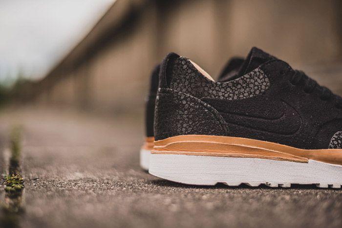 Nike Air Safari Royal Black 4