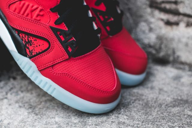 Nike Air Tech Challenge Hybrid Chilling Red 2