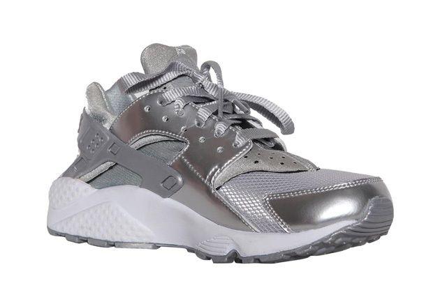 Nike Wmns Air Huarache Metallic Silver 3