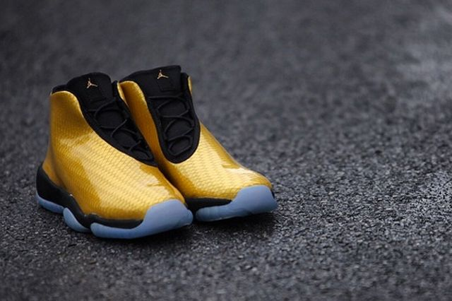 Air Jordan Future Gold4