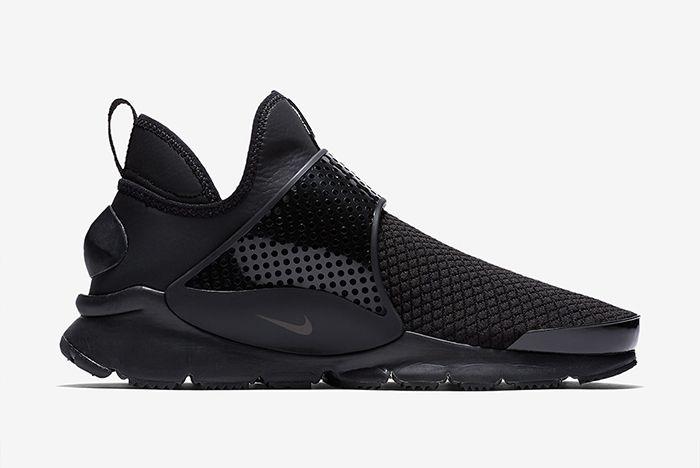 Nike Sock Dart Triple Black 1