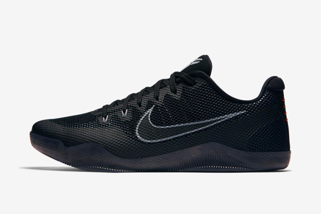 Nike Kobe 11 Blackout 4