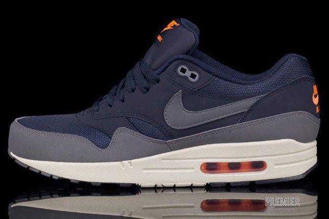 Nike Air Max Bears 1
