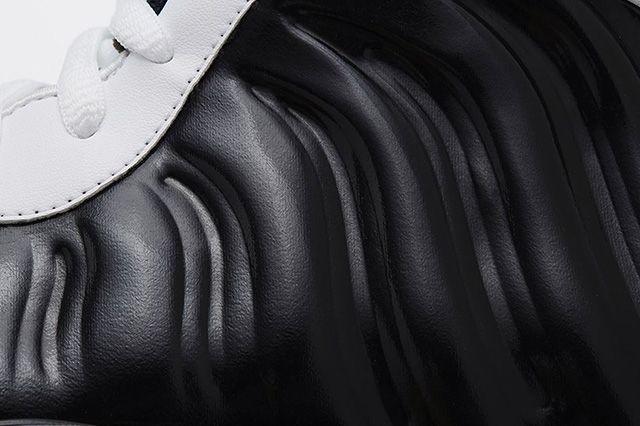 Nike Air Foamposite One Black White 3