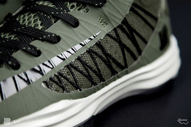 Undefeated Nike Bringbackpack Hyperdunk Midfoot Detail 1