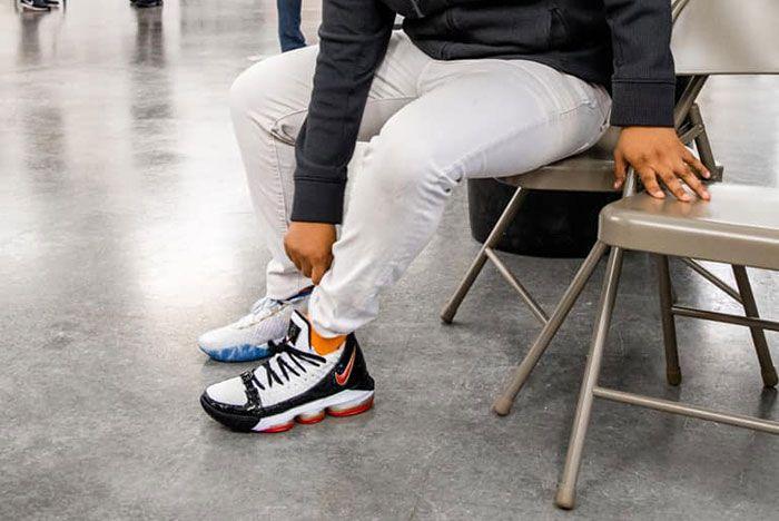 Lebron James I Promise Kids Free Shoes10