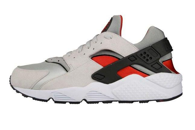 Nike Air Huarache Grey Red Profile 1