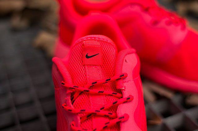 Nike Wmns Roshe Hyp Laser Crimson Tongue