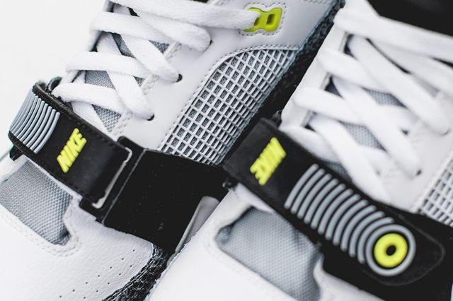 Nike Air Max Bo Jax Volt Snake 5