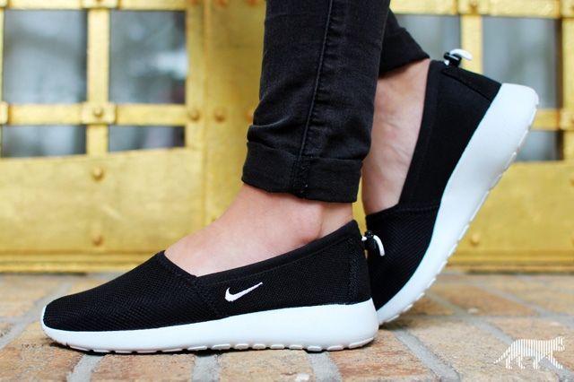 Nike Wmns Roshe Run Slip 2