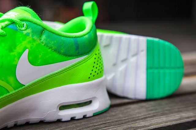 Nike Air Max Thea Flash Lime Bumper 1