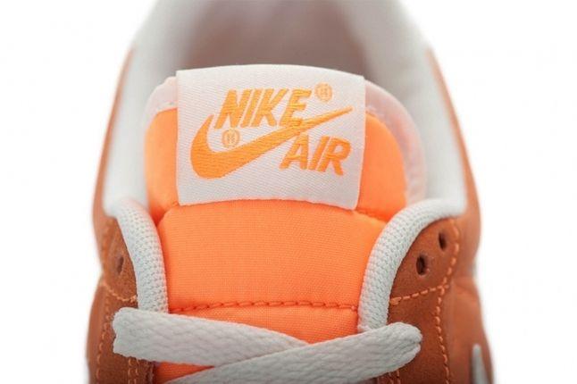 Nike Wmns Air Vortex Vntg Orange Tongue Detail 1