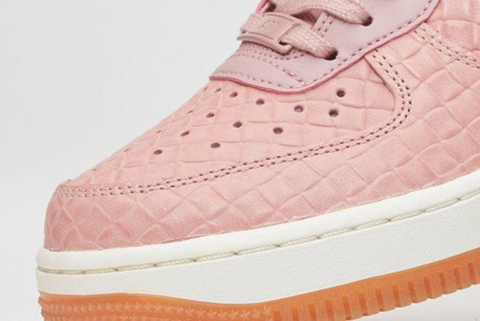 Nike Air Force 1 07 Wmns Pink Glaze 5