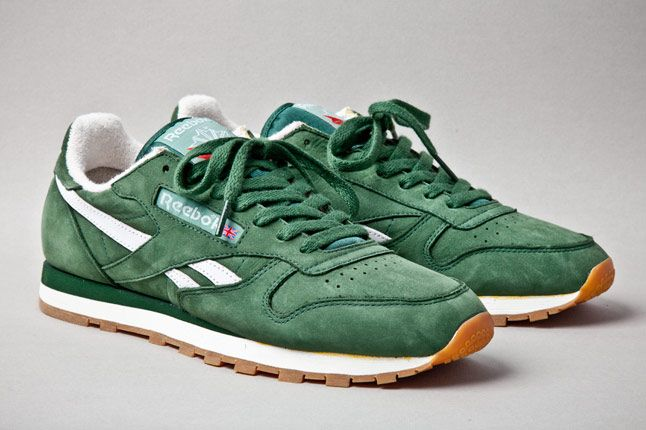 Reebok Classic Leather Vintage Racing Green Angle 1
