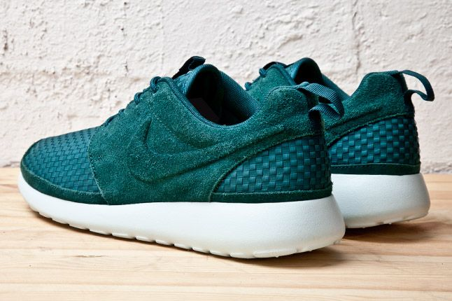 Nike Roshe Run Woven Teal Heels 1