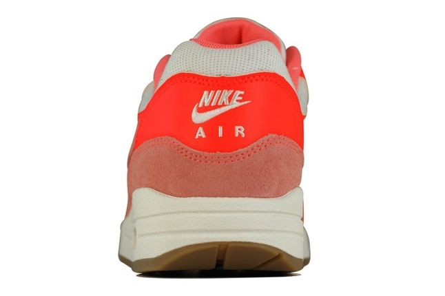 Nike Am1 Bright Mango Heel Profile 1