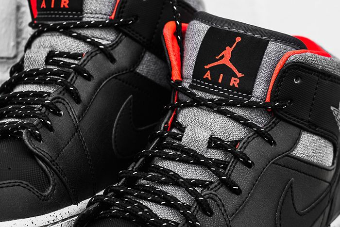 Air Jordan 1 Mid Black Cement3