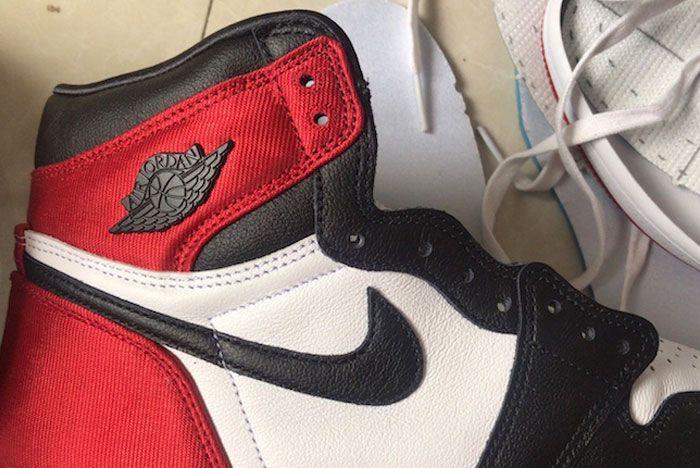 Air Jordan 1 Black Toe Satin Close